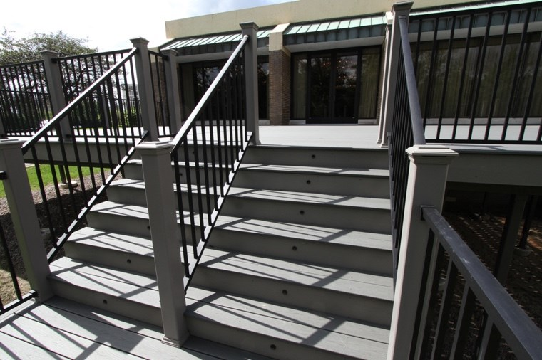 How To Build Deck Stairs Image@2X