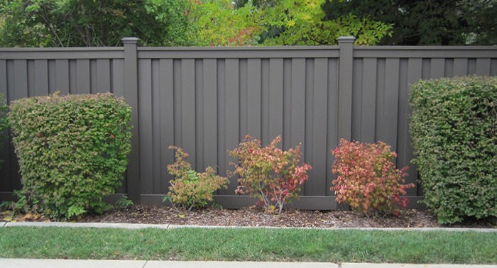 Trex Fence Winchester Grey Bushes