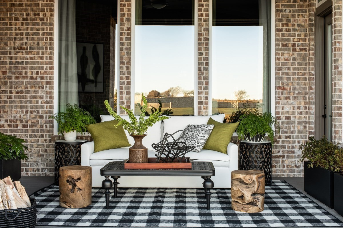 7 Tips To Keep Bugs Away From Your Patio Decks Com By Trex